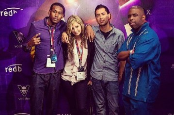 Gary, Jennie, Ed and Rich chilling at E3 together.