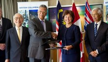 Christy Clark met with Petronas President and CEO Tan Sri Dato' Shamsul Azhar Abbas during the 2014 Spring Trade Mission to Malaysia.| Photo courtesy of BC Government Photos