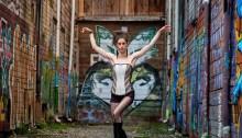 Naomi Steinberg dans Goosefeather. Photo par Diane Smithers