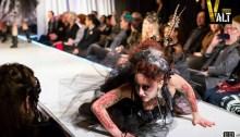 Dystopia, une autre thématique pour un défilé atypique. | Photos par Ed Ng Photography