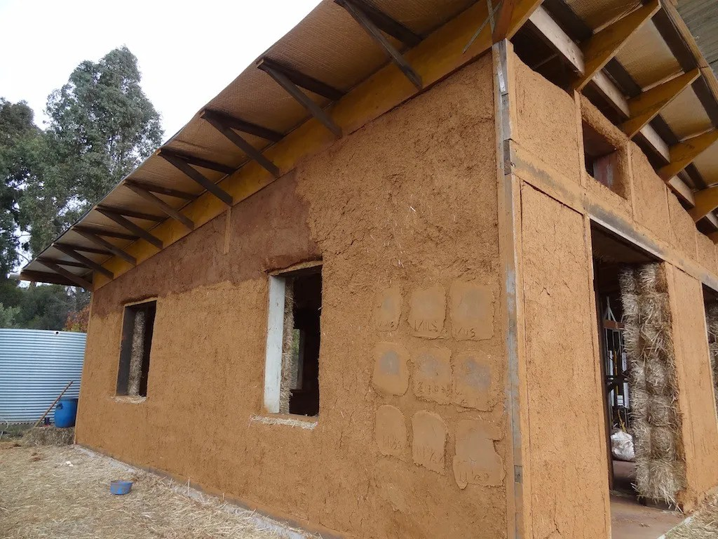 Plaster Building Choosing A Plaster System For Your Straw Bale House The Last