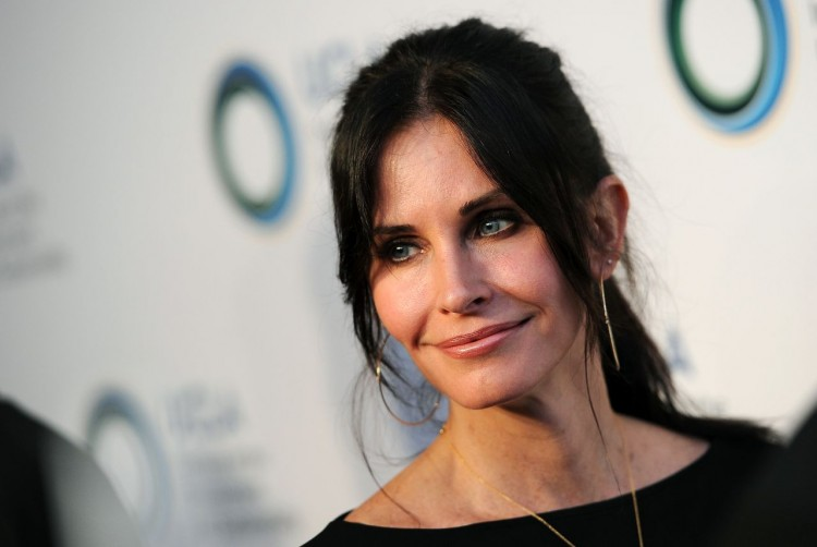"Courteney Cox will star in new FOX comedy pilot ""Charity Case"""