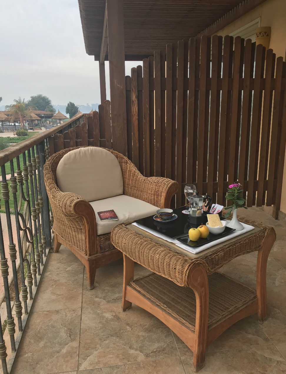 Fauteuils Serenity En Promotion Sipping A Good Cup Of Italian Coffee In Luxor Return Of The