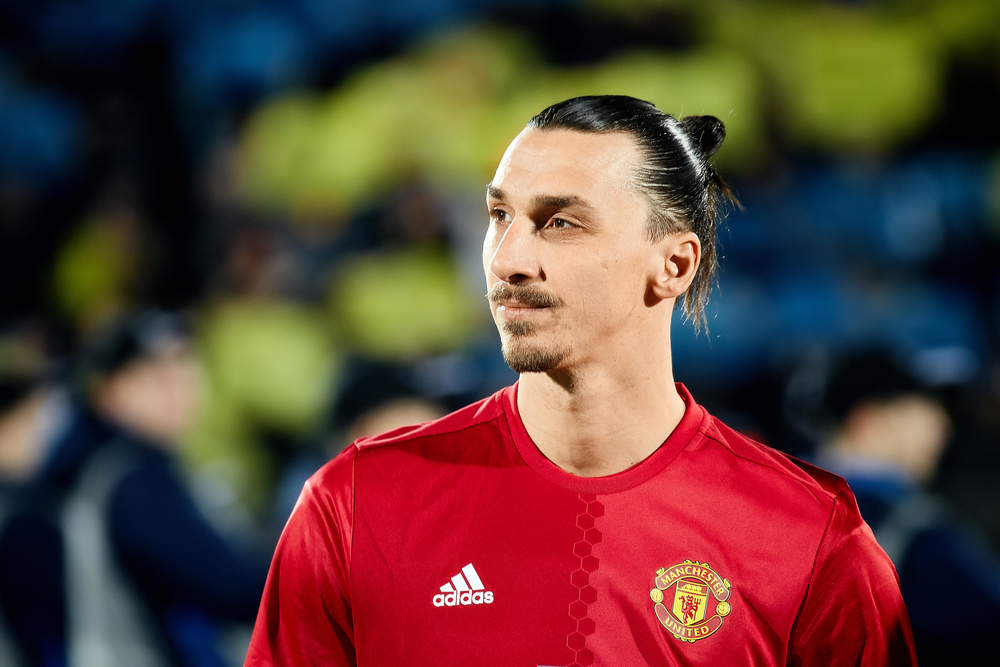 Zlatan Ibrahimovic has signed on to play another season with Manchester United