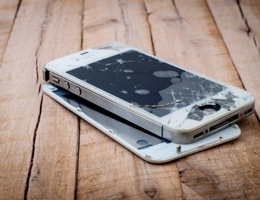 Apple will soon accept to repair your old iPhone and MacBook