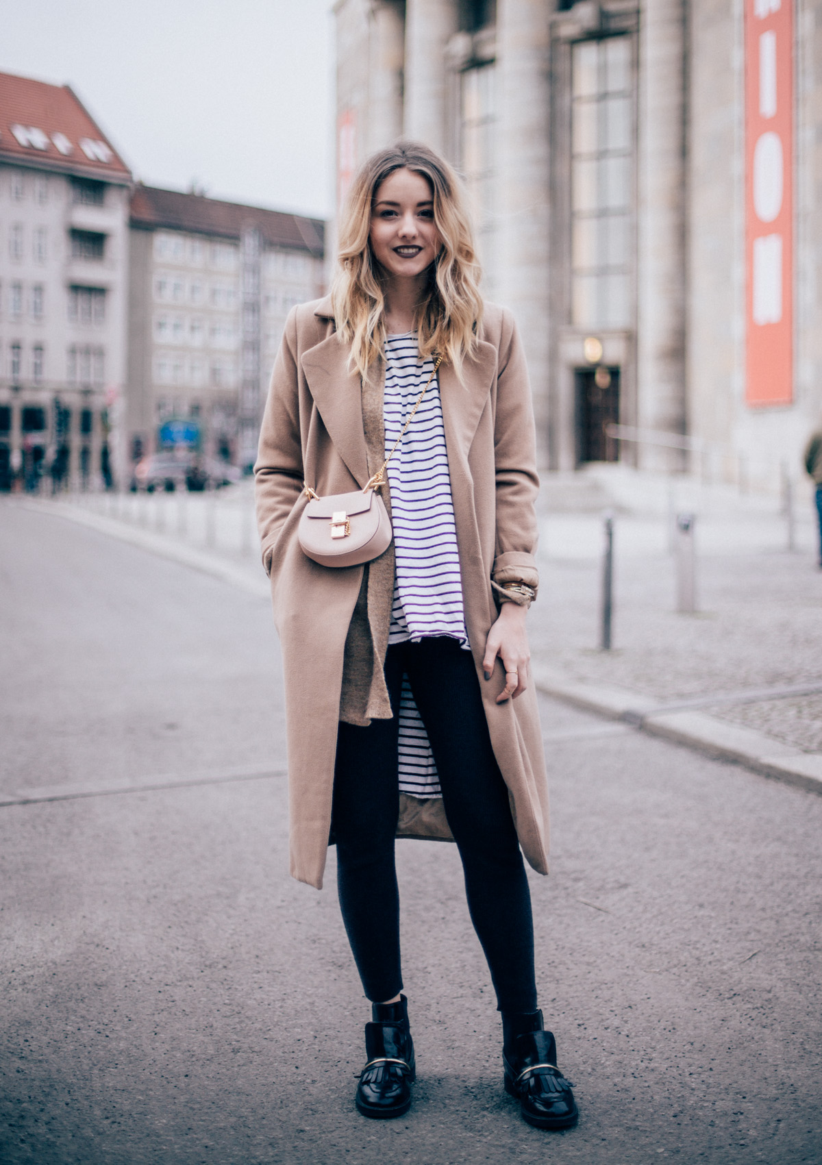 Blogger Outfit Outfit Gestreiftes Shirt Camel Coat The Limits Of Control