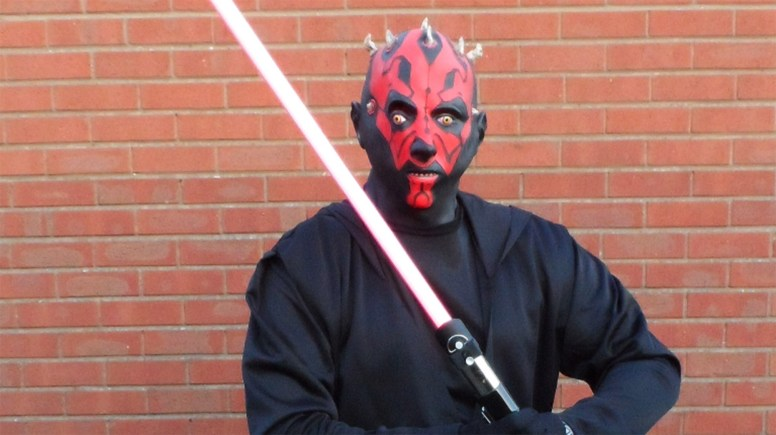 Scott Worboys will be dressing up at Darth Maull at the 2014 Lincoln 10k to raise money for charity.