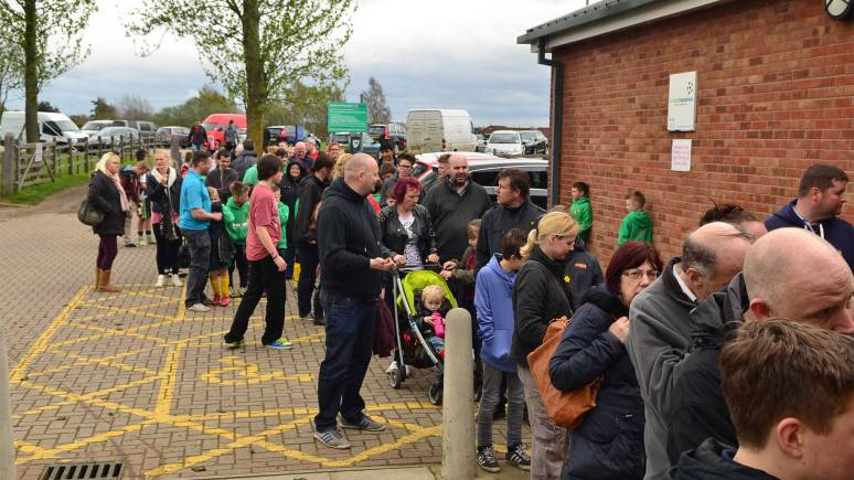 Long queues to see the trophy in Birchwood. Photo: Steve Smailes for The Lincolnite