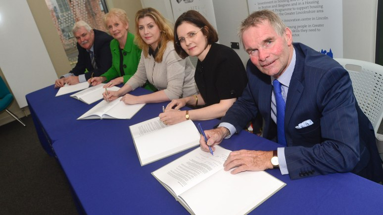 SIgning the first Growth Deal in October 2014. Photo: Steve Smailes for The Lincolnite
