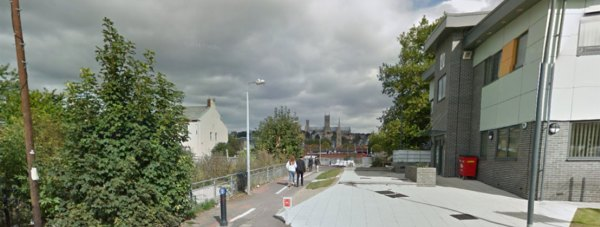 The 20-year-old woman was robbed on the footpath linking Portand Street, Kesteven Street and Tentercroft Street. Photo: Google Street View