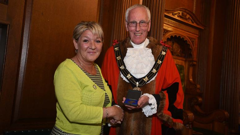 "Julie Cooke receiving her Mayoral Medal for ""her work on the Lincoln Tank Memorial Project. Photo: Steve Smailes for The Lincolnite"