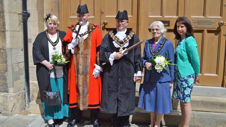 Mayor of Lincoln Councillor Andrew Kerry (second from left), Mayoress Sharon Longthorne, Sheriff Graham Kent, Sheriff's Lady Gill Kent and Acting Chief Executive Angela Andrews