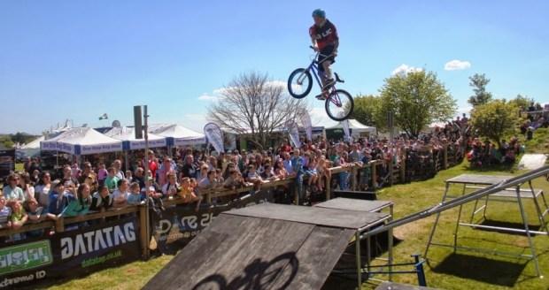 Savage Skills are an accomplished freestyle bike stunt team .