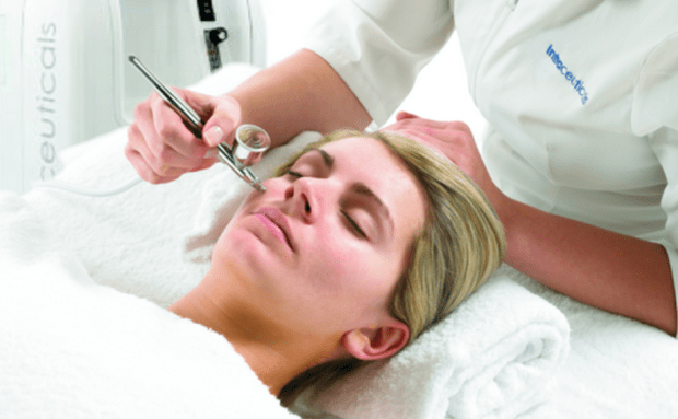 The oxygen facials are popular with celebrities.