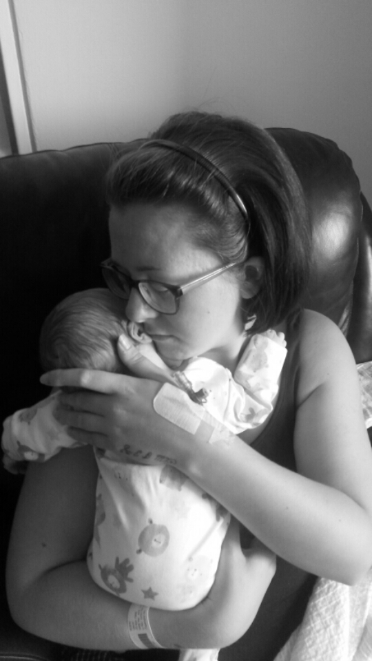 Theo with his mother Laura Kuhn