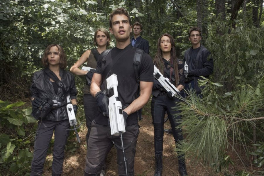 Maggie Q, Shailene Woodley, Miles Teller, Zoë Kravitz, Theo James and Ansel Elgort in The Divergent Series: Allegiant. Photo by Murray Close.