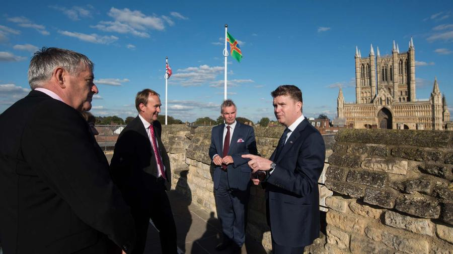American Ambassador to the UK Matthew Barzun (right) at Lincoln Castle on September 22. Photo: U.S. Embassy Photographer