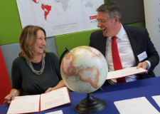 Professor Mary Stuart, Vice Chancellor of the University of Lincoln and Matt Hutnell, Director of Santander Universities UK. Photo: University of Lincoln/ Phil Crow