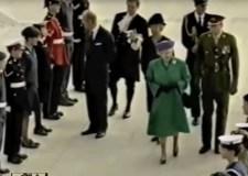 queen-opens-university-of-lincoln-1996