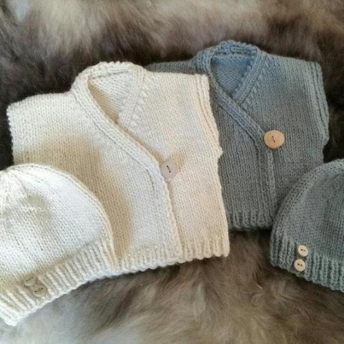 Beginners Easy Baby Set Knitting Pattern.