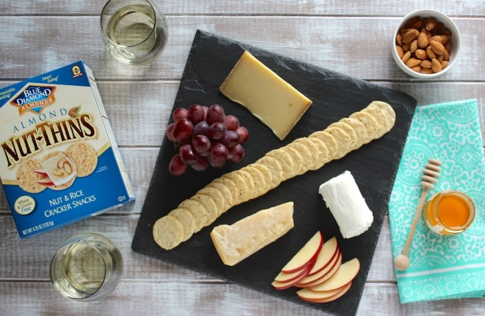 How to Build a Healthy Cheese Board
