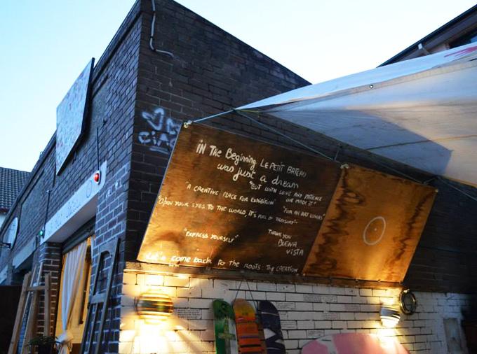 Social + art = Le Petit Bateau