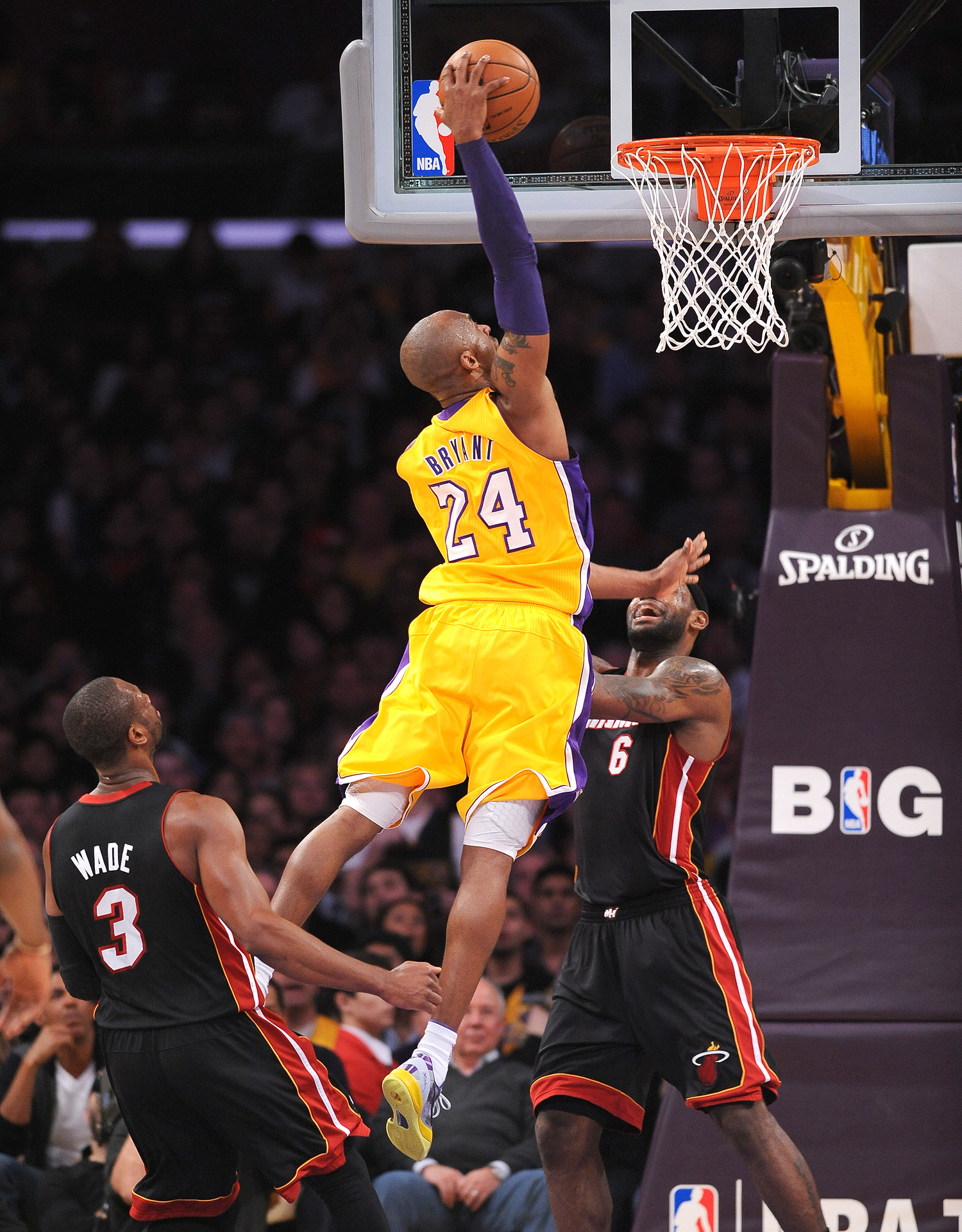 Kobe Bryant Wallpaper Hd Kobe Bryant Wallpaper Dunk 11 The Lock