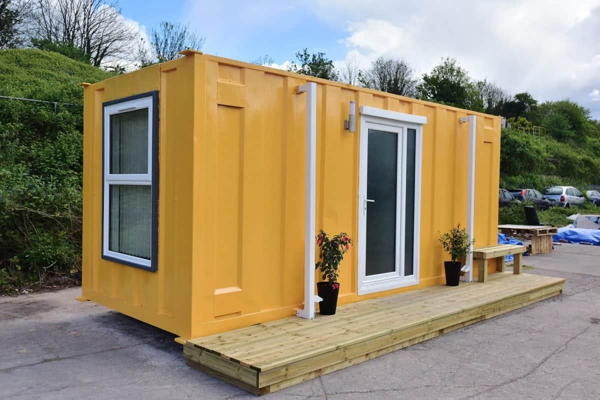 Magazin Container Shipping Container Converted To Plush Accommodation For