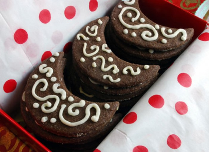 Once in a Chocolate Spice Moon Cookies | LunaCafe