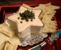 Smoked Salmon &amp; Caper Spread with Artisan Crackers