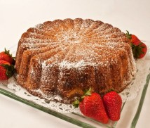 LunaCafe&#039;s Heavenly Parmesan Pound Cake
