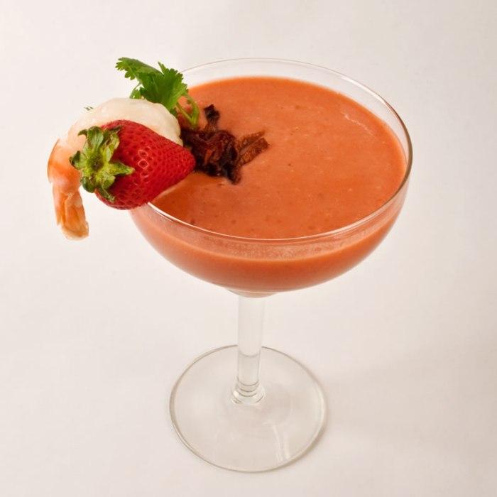 Kicky Tomato Strawberry Gazpacho | LunaCafe