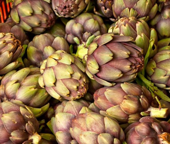 At the market Artichoke Primer