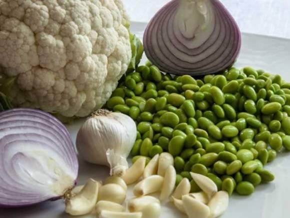 Ingredients Warm Cauliflower Salad with Edamame & Raisins