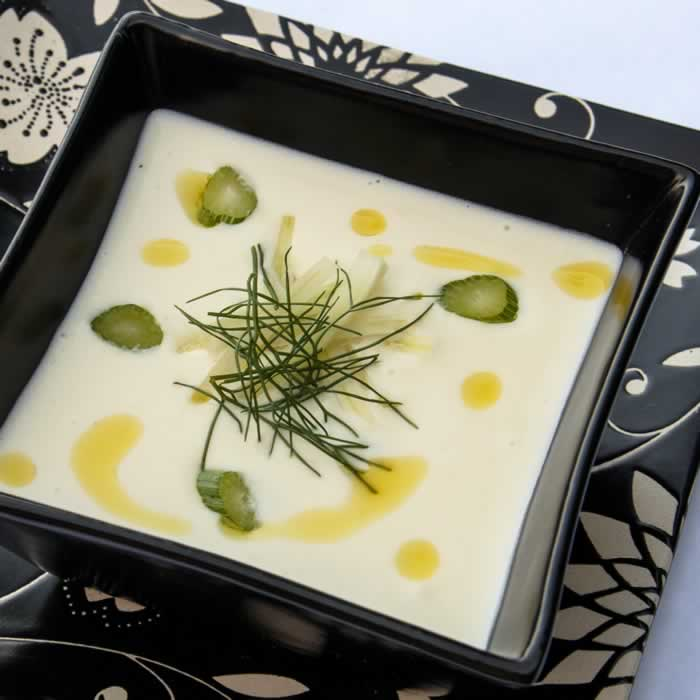 The Perfect Vichyssoise (Cold Potato Leek Soup)