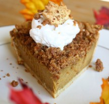 Pumpkin Streusel Pie to Knock Your Socks Off_Dana Zia