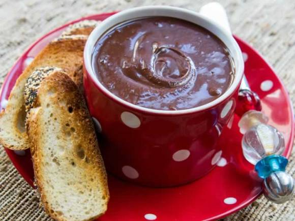 Red Bowl Homemade Nutella: Two Ways (Chocolate Hazelnut Spread)