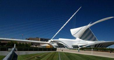 Milwaukee Art Museum by Calatrava
