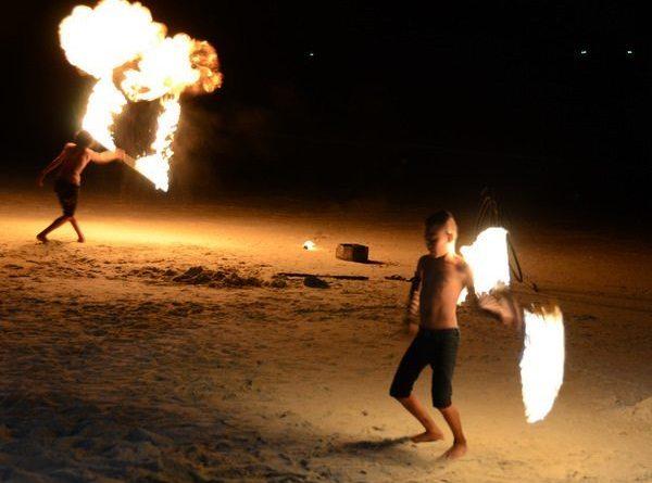 thai-fire-dancer