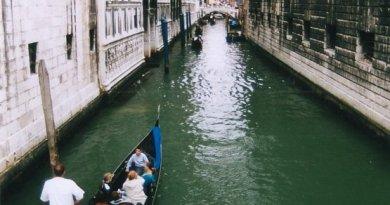 venice-gondola-009