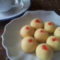 Biskut Suji (Semolina Biscuits)