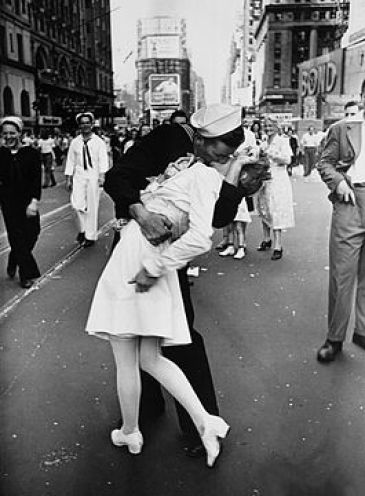 Legendary photo by Alfred Eisenstaedt