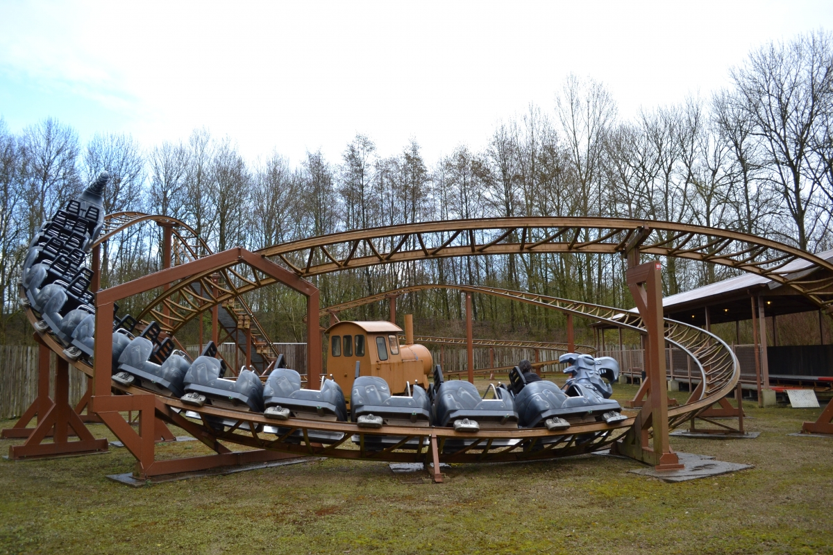 Tivoli Amusement Park Netherlands Theme Park Review Photo Tr Walibi Holland Lost Gravity