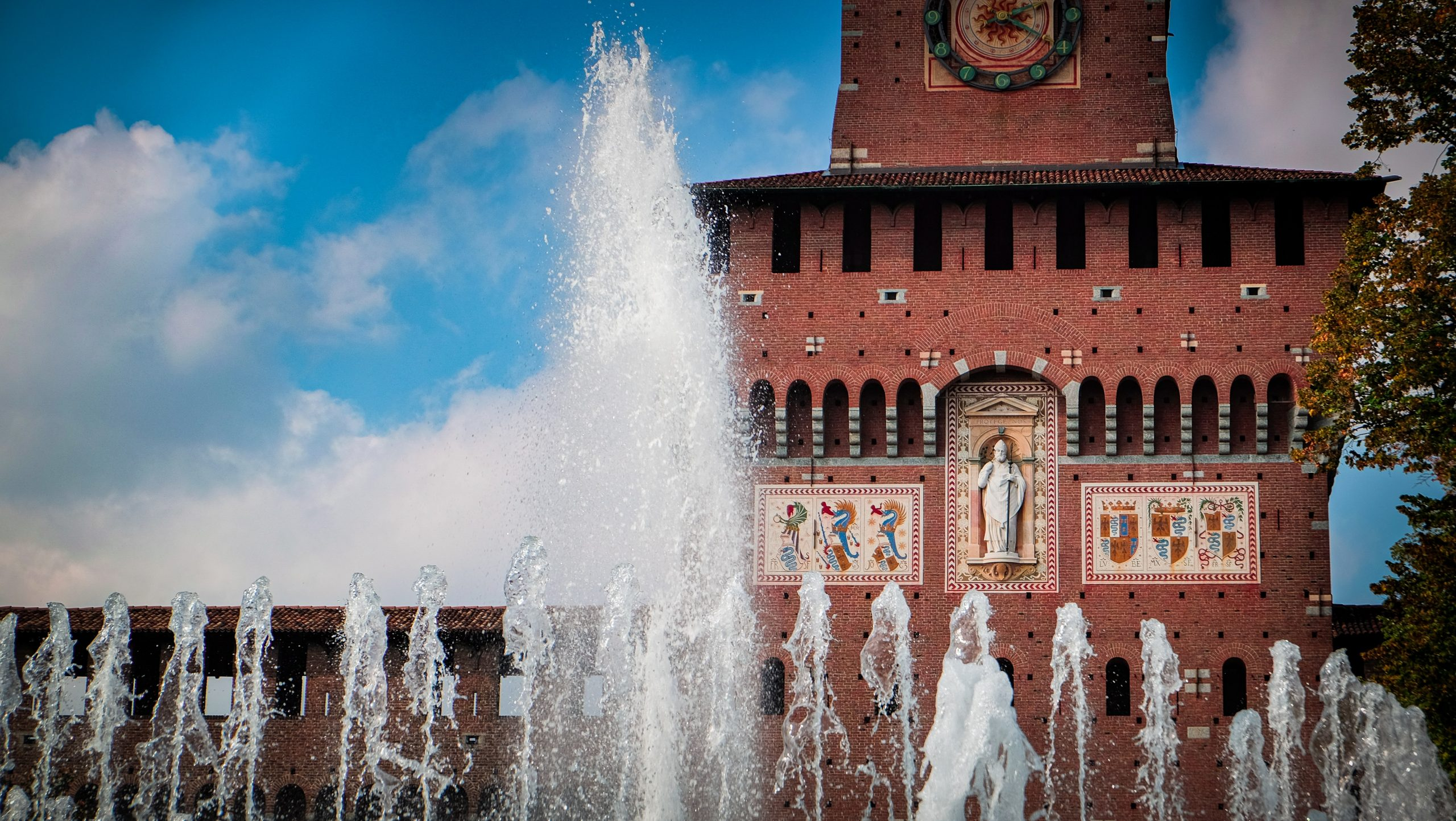 Milan And Its Castles Plural The Milan City Journal