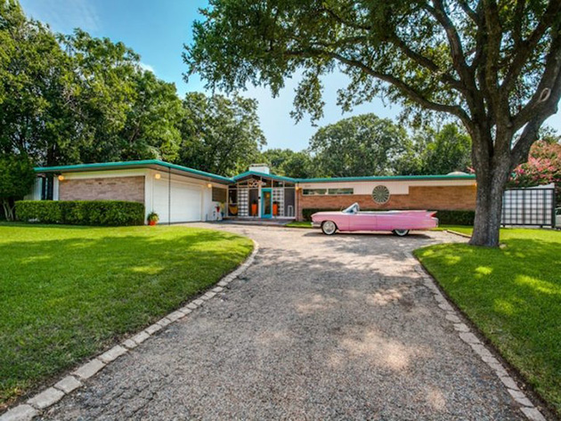 Perfectly Preserved 1950s Time Capsule House Is For Sale