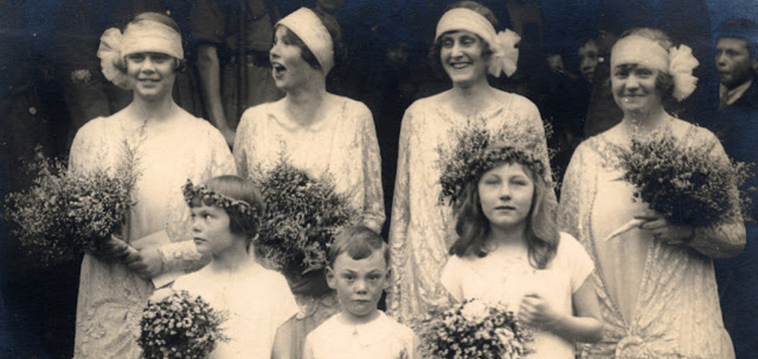 20 Fascinating Vintage Wedding Photos From The Roaring 1920s