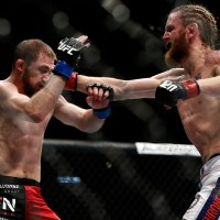 UFC 172's Tim Elliott: Fear of Desk Job Fuels Entertaining Style