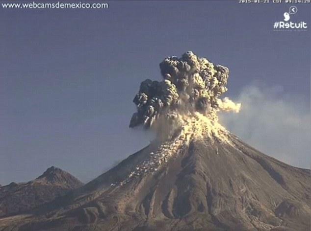 colima volcano mexico erupts