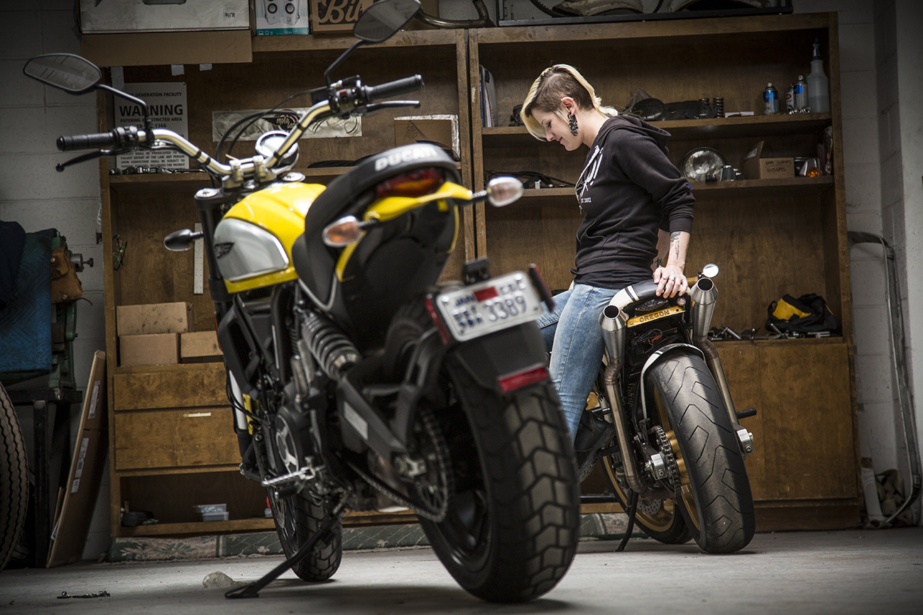 Cafe Racer Girl Wallpaper Motorcyclist Magazine Motolady Ducati Scrambler Moto Lady