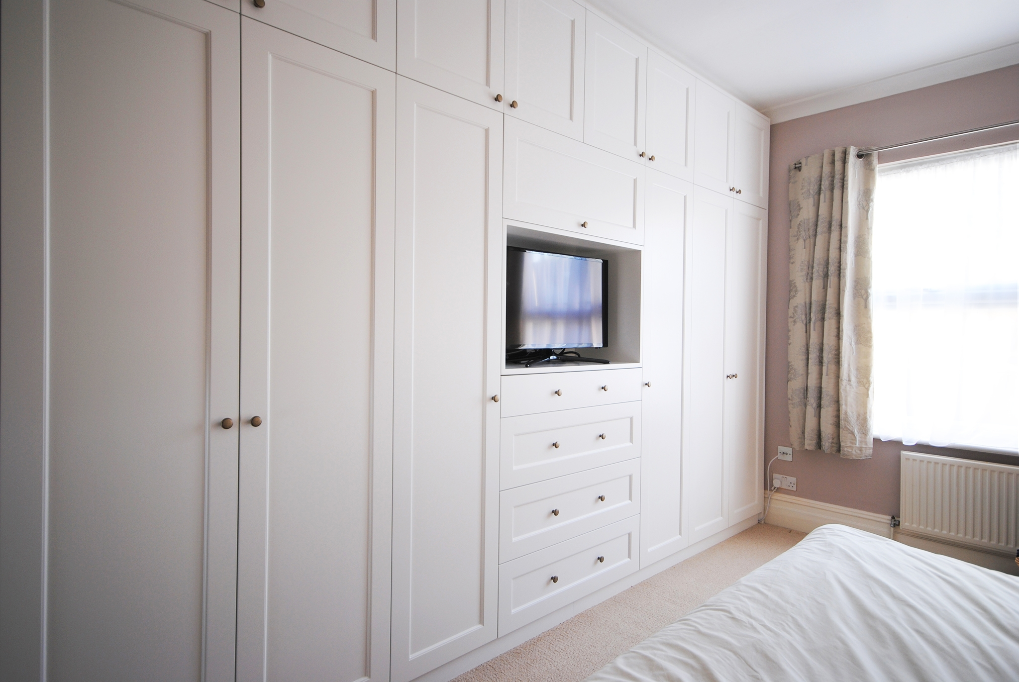 Build In Wardrobe 10 Ideas Of Built In Wardrobes With Tv Space